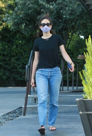 Emmy Rossum - Shopping at Sweetgreen Health food restaurant in West Hollywood
