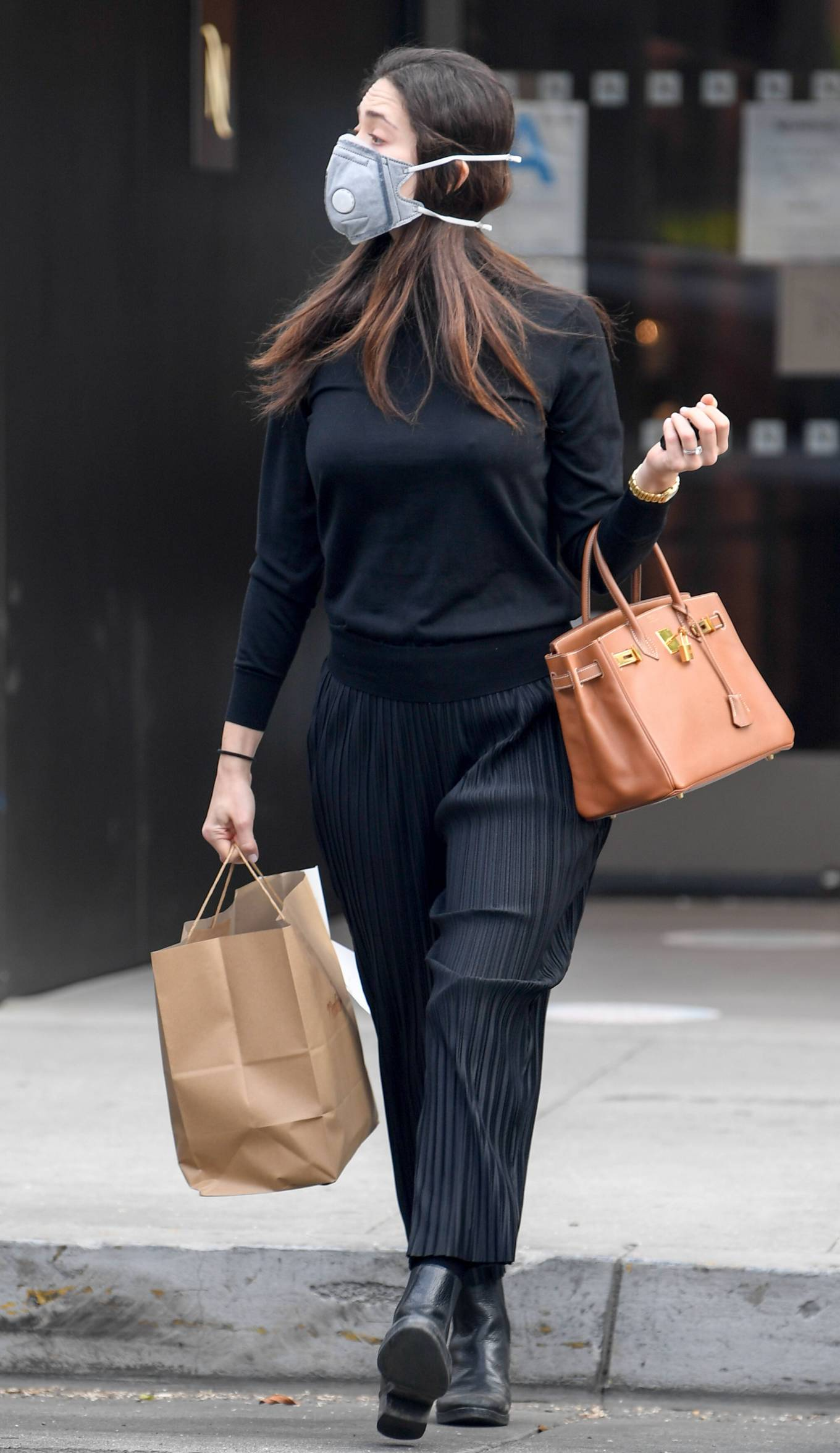 Emmy Rossum 2020 : Emmy Rossum – Spotted outside Nate n Als in Beverly Hills -01