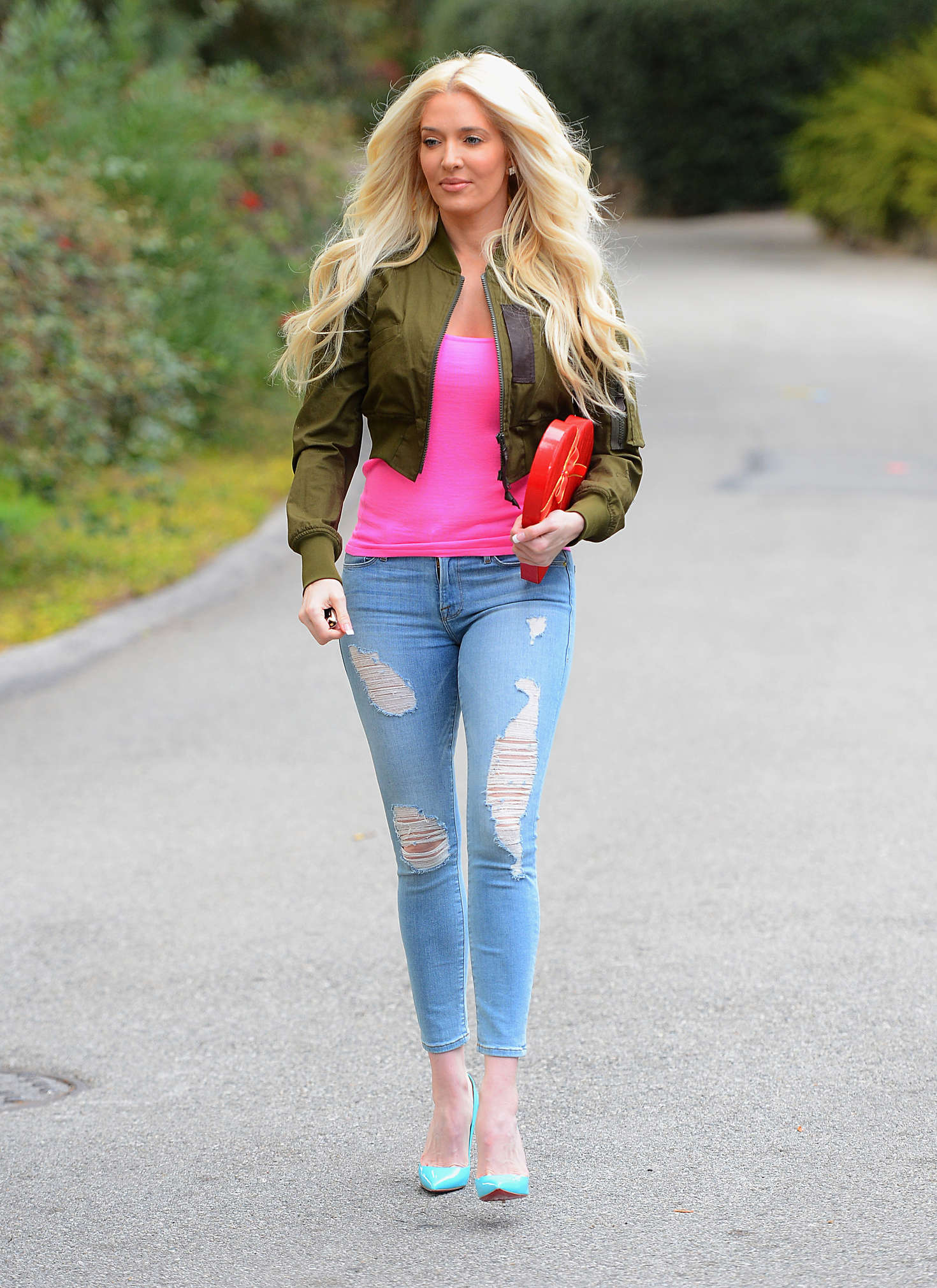 Erika Jayne In Jeans 03 Gotceleb