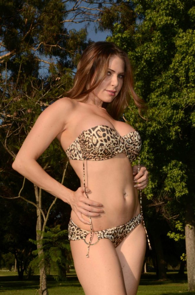 Erika Jordan - Protests Public Park Bikini Ban in Los Angeles