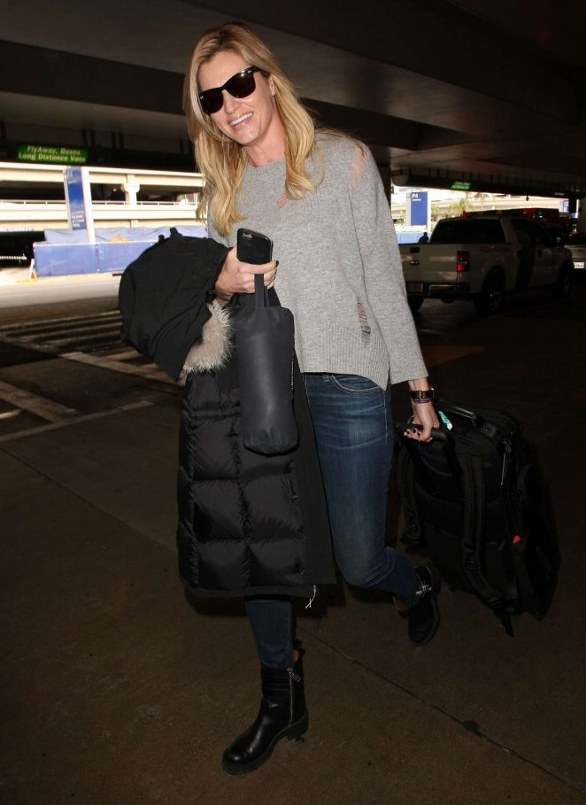 Erin Andrews: Arrives at LAX airport -02