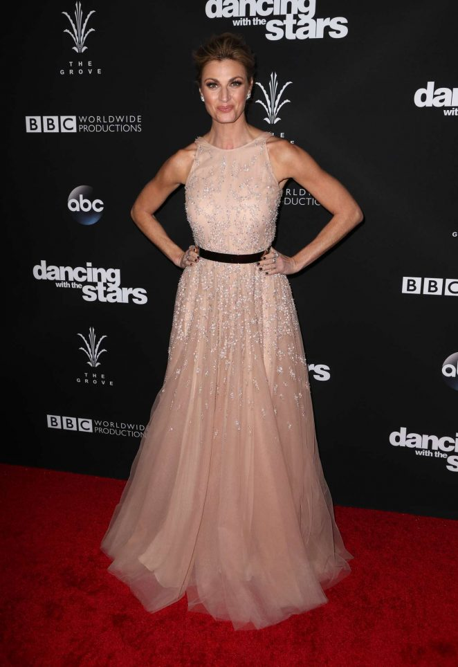 Erin Andrews - 'Dancing With the Stars' Season 23 Finale in Hollywood