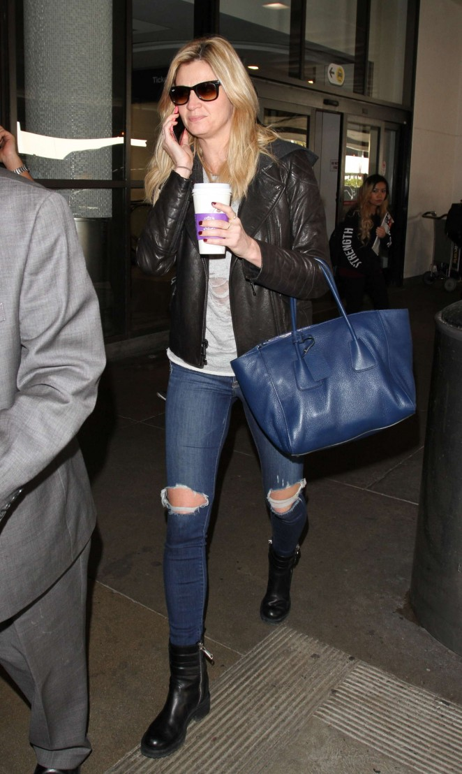 Erin Andrews in Ripped Jeans at LAX in Los Angeles