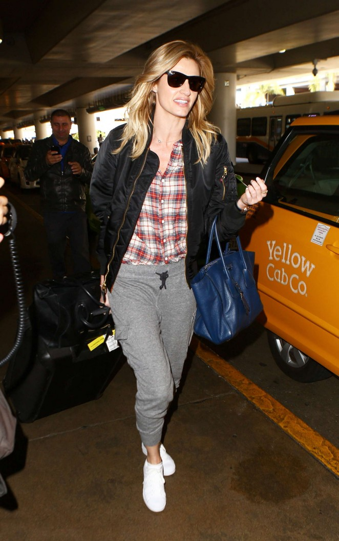 Erin Andrews in Sweats at LAX Airport in Los Angeles