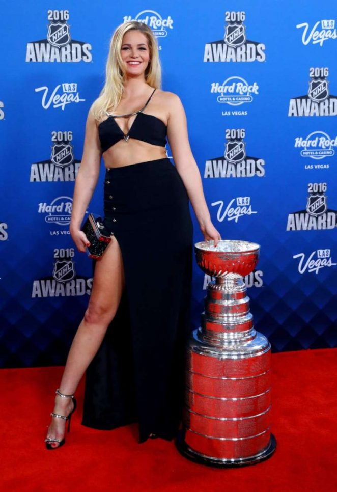 Erin Heatherton: 2016 NHL Awards -01