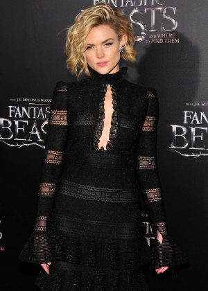 Erin Richards -'Fantastic Beasts and Where to Find Them' Premiere in NYC
