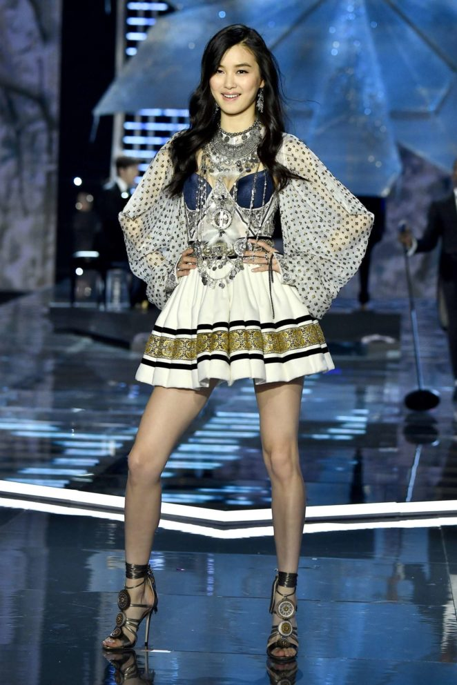 dd17173955 Estelle Chen – 2017 Victoria s Secret Fashion Show Runway in Shanghai