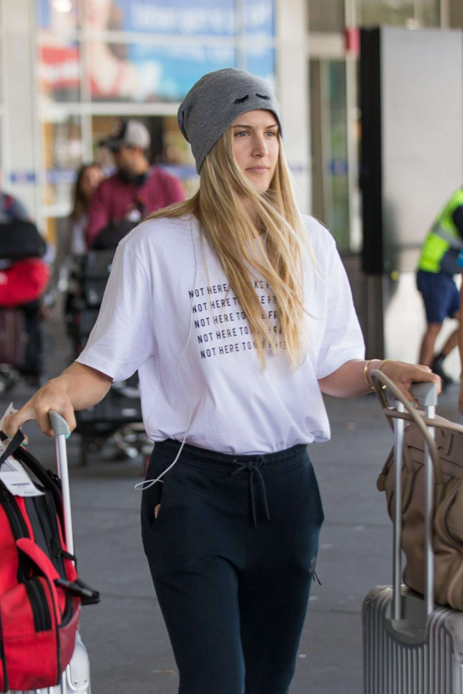 Eugenie Bouchard – Arrives at Airport in Melbourne