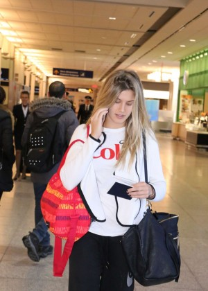 Eugenie Bouchard at Montreal Airport -02
