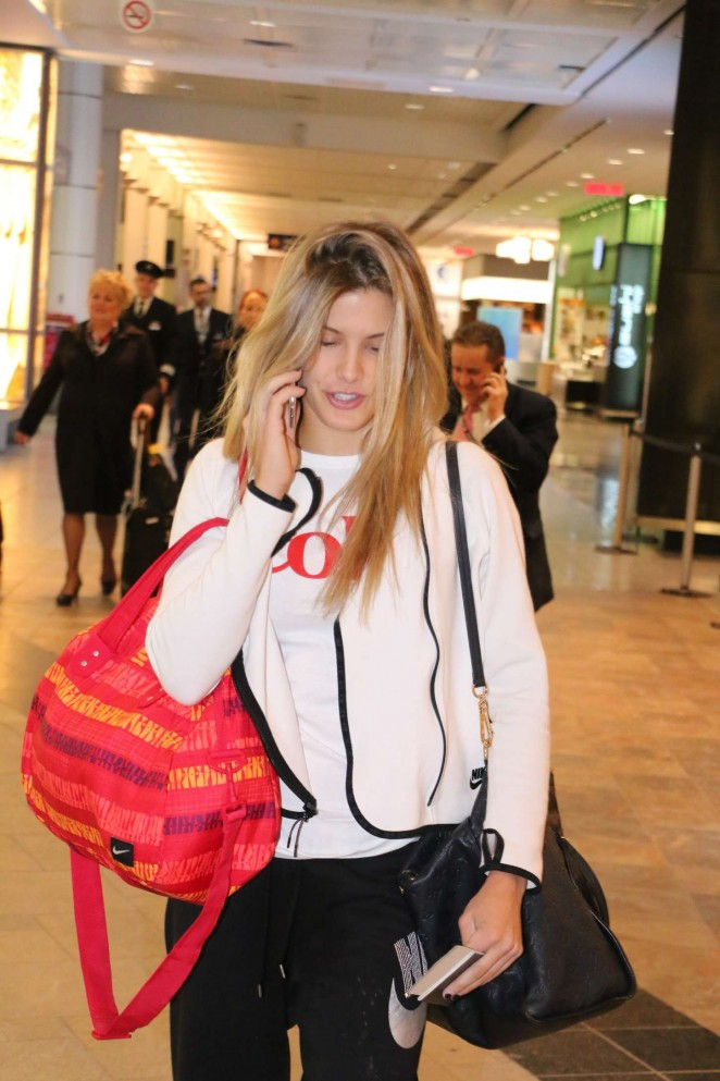 Eugenie Bouchard - Leaving Montreal Airport