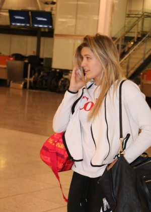 Eugenie Bouchard at Montreal Airport -06
