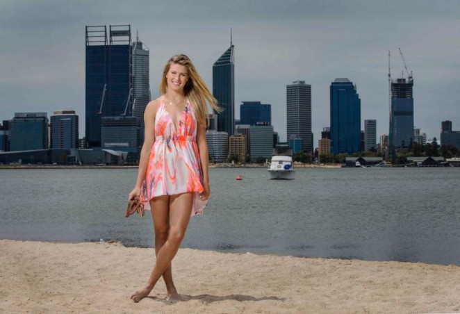 Eugenie Bouchard - Mends Street Jetty Shoot 2015