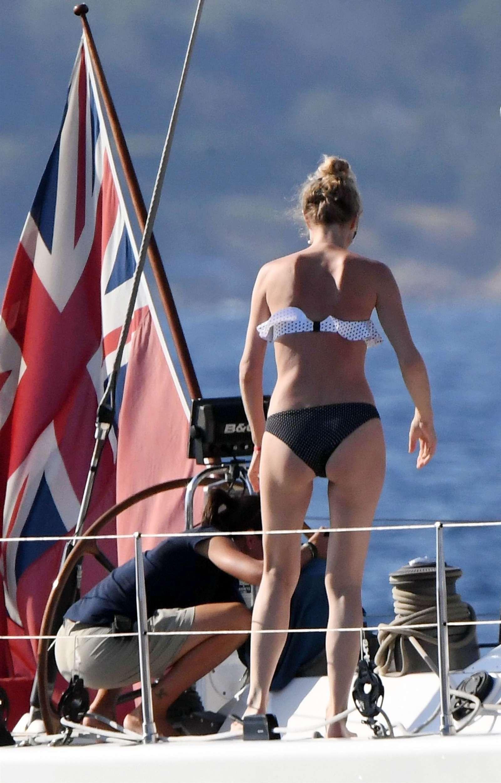 Eva herzigova in bikini porto rotondo italy - 2019 year