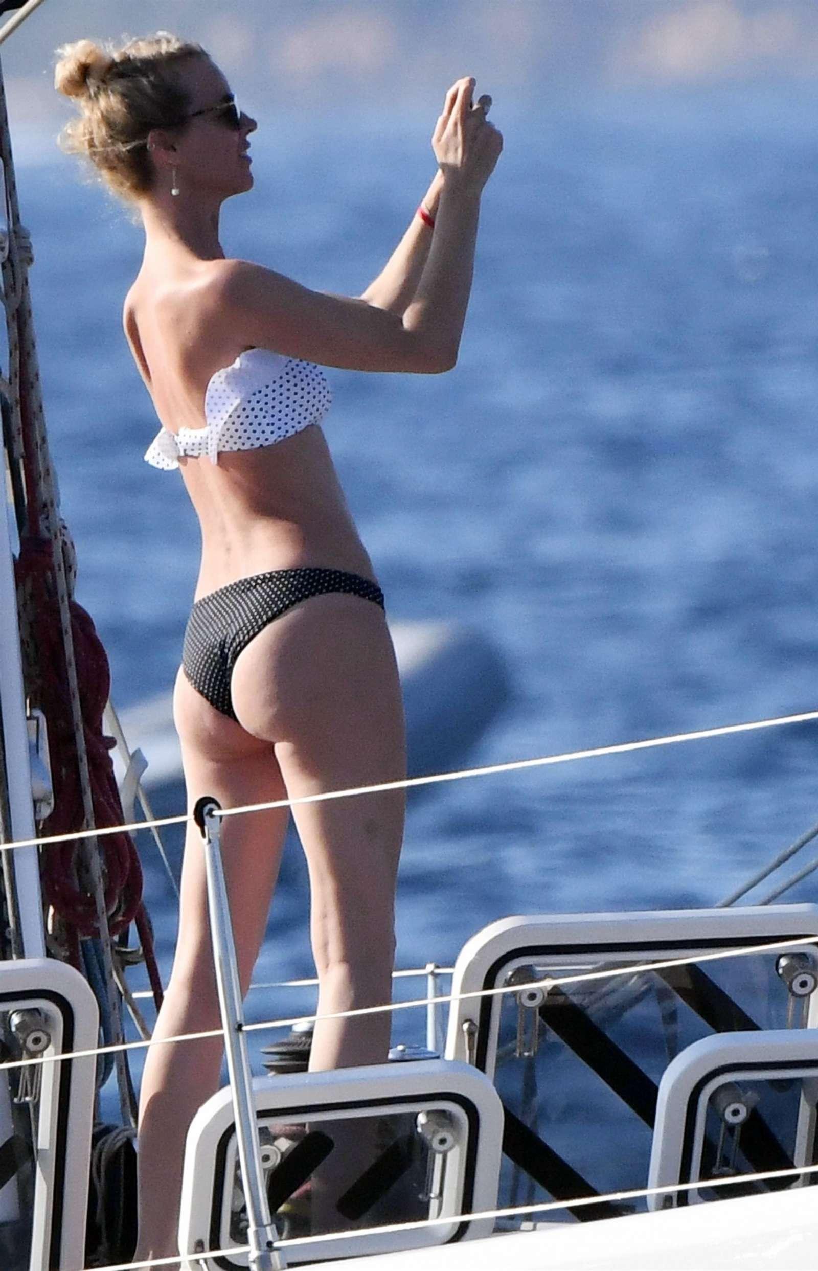 Eva herzigova in bikini porto rotondo italy nudes (18 photo), Instagram Celebrity pics
