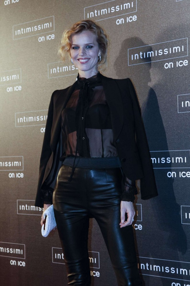 Eva Herzigova - Intimissimi On Ice 2015 in Verona