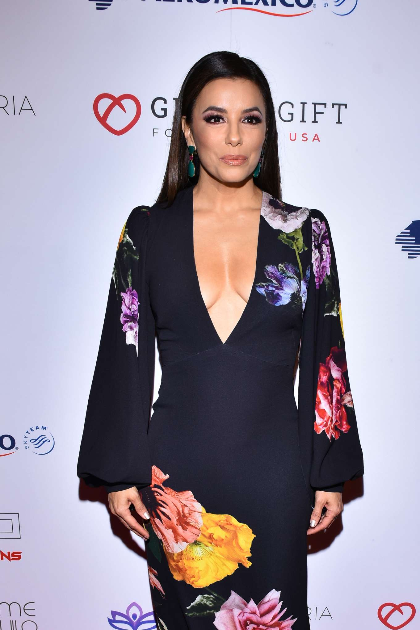 Eva Longoria - 5th Global Gift Foundation USA to the occasion of raising funds in Mexico City
