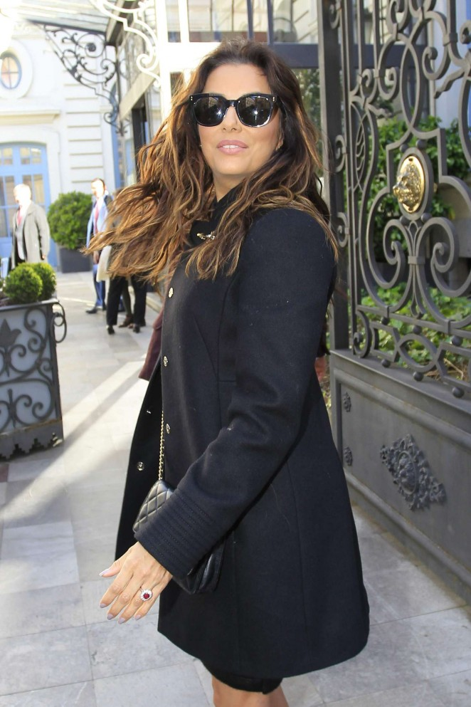 Eva Longoria arrives at an event in Madrid