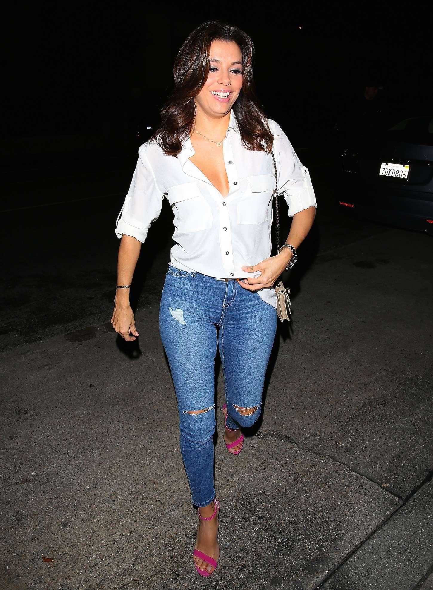 Eva Longoria 2015 : Eva Longoria in Tight Jeans -16