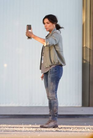 Eva Longoria - Filming in Los Angeles