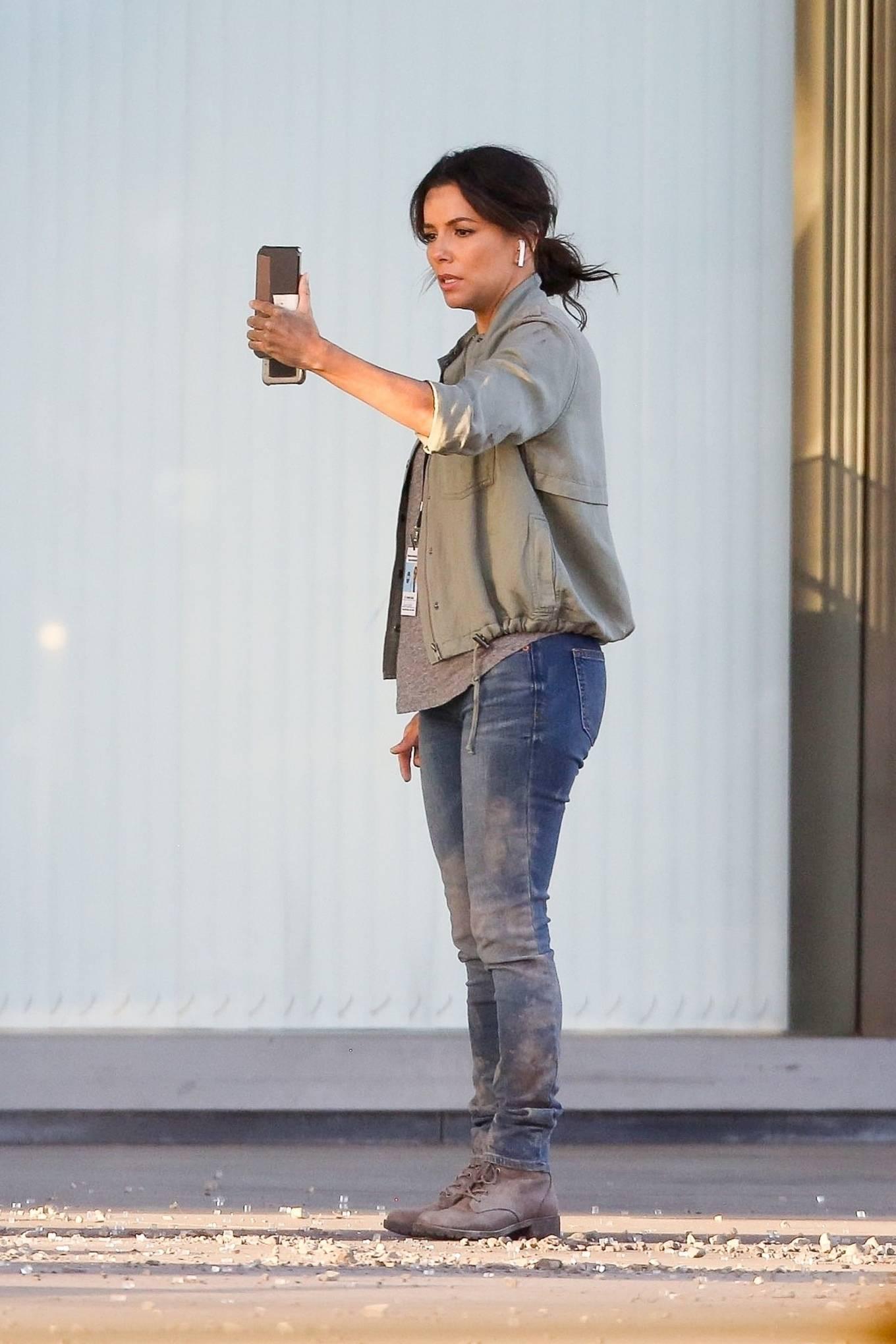 Eva Longoria - Filming in Los Angeles