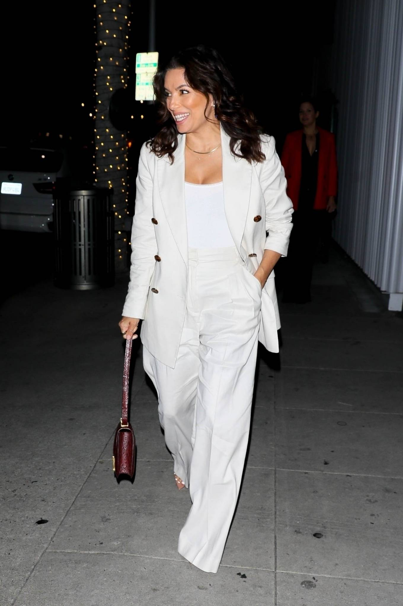 Eva Longoria 2021 : Eva Longoria – in all white as she steps out with friends in Beverly Hills-13
