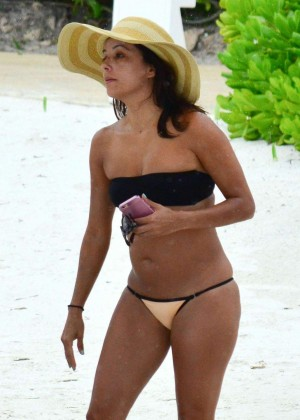 Eva Longoria in Bikini in Cancun
