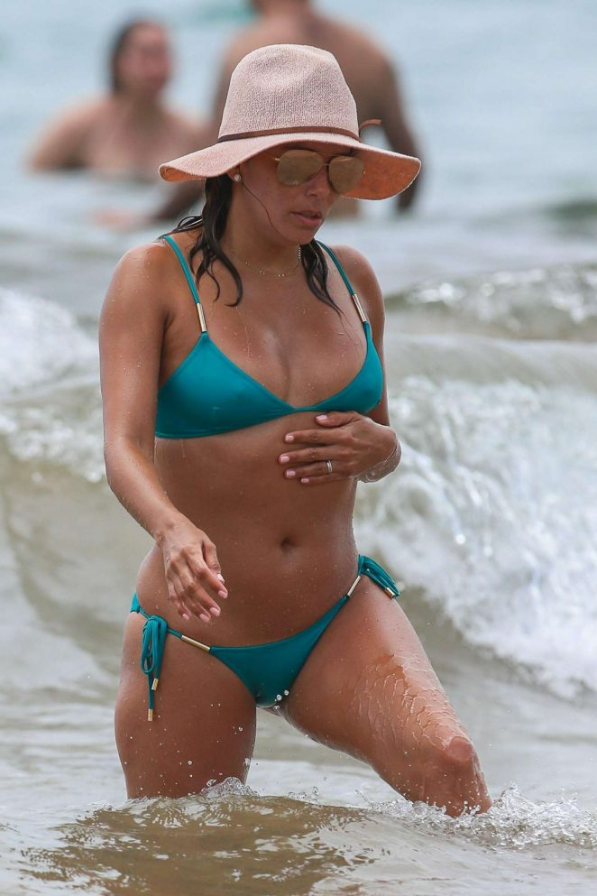 Eva Longoria in Bikini on the beach in Miami