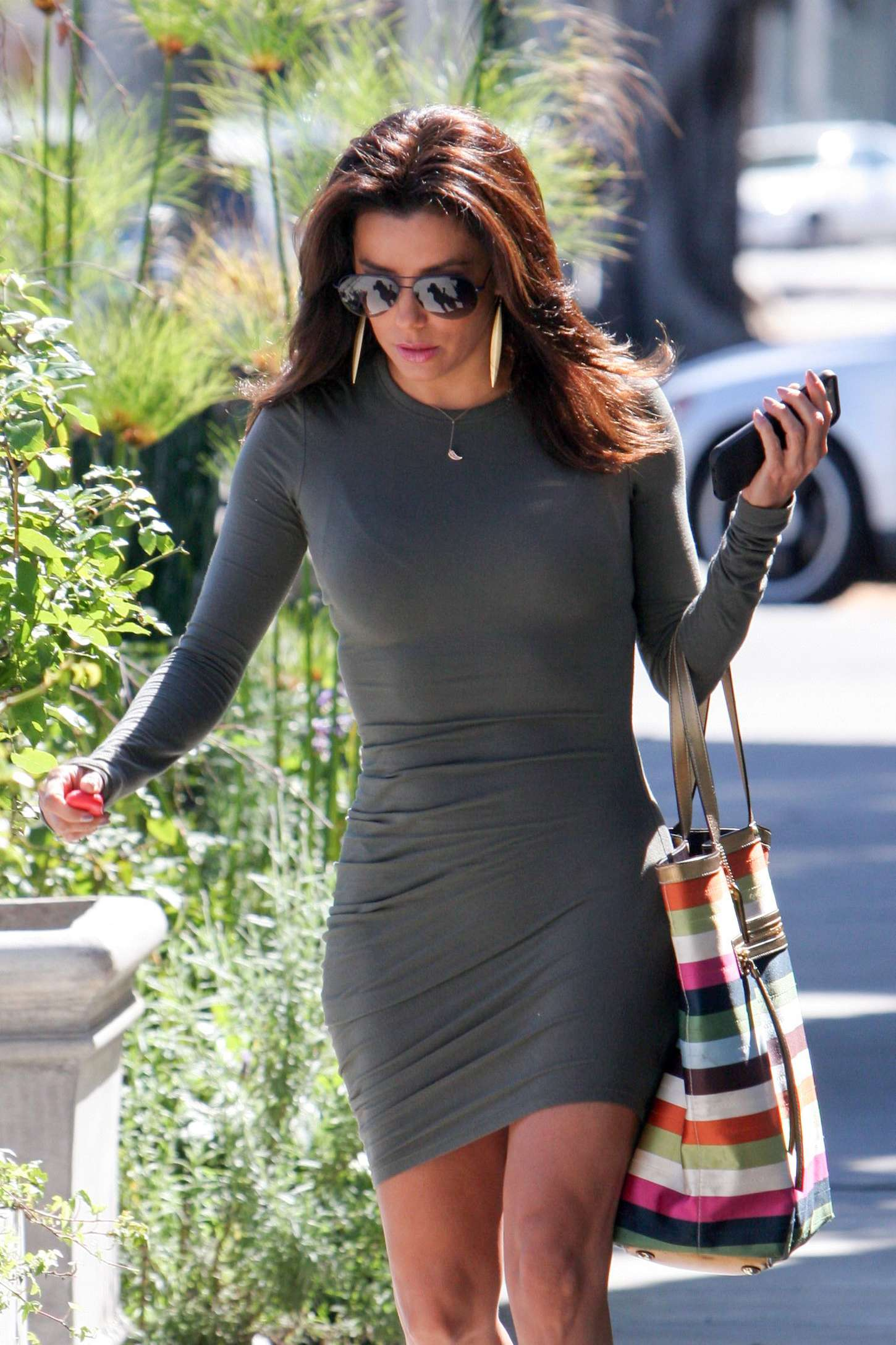 eva longoria in tight mini dress 02 gotceleb