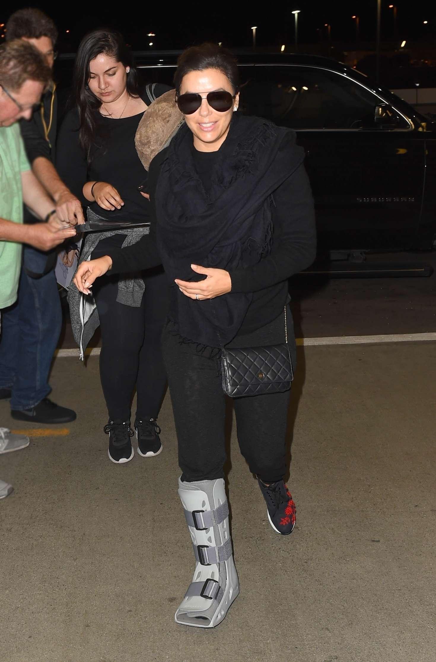 Eva Longoria 2017 : Eva Longoria: LAX International Airport -11