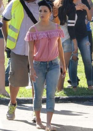 Eva Longoria in Jeans on Lowriders set -20