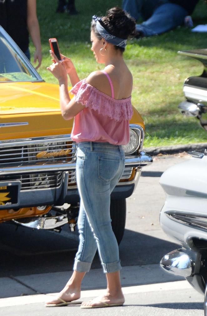Eva Longoria in Tigth Jeans on 'Lowriders' set in LA