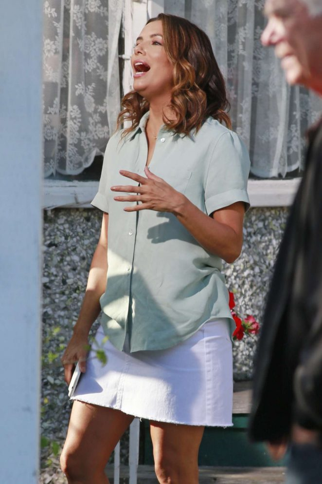 Eva Longoria - On the set of 'Overboard' in Vancouver