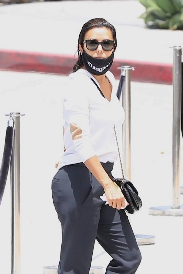 Eva Longoria - Outside the Westfield Mall in Century City