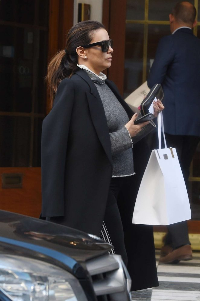 Eva Longoria – Shopping in London