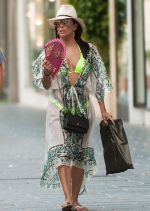 Eva Longoria - Shopping in Marbella