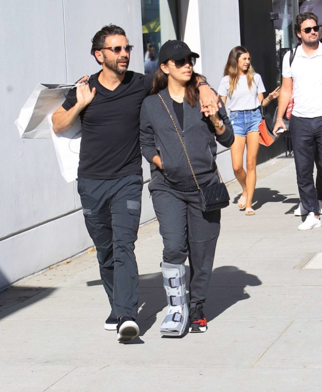 Eva Longoria with Jose Baston shopping -06