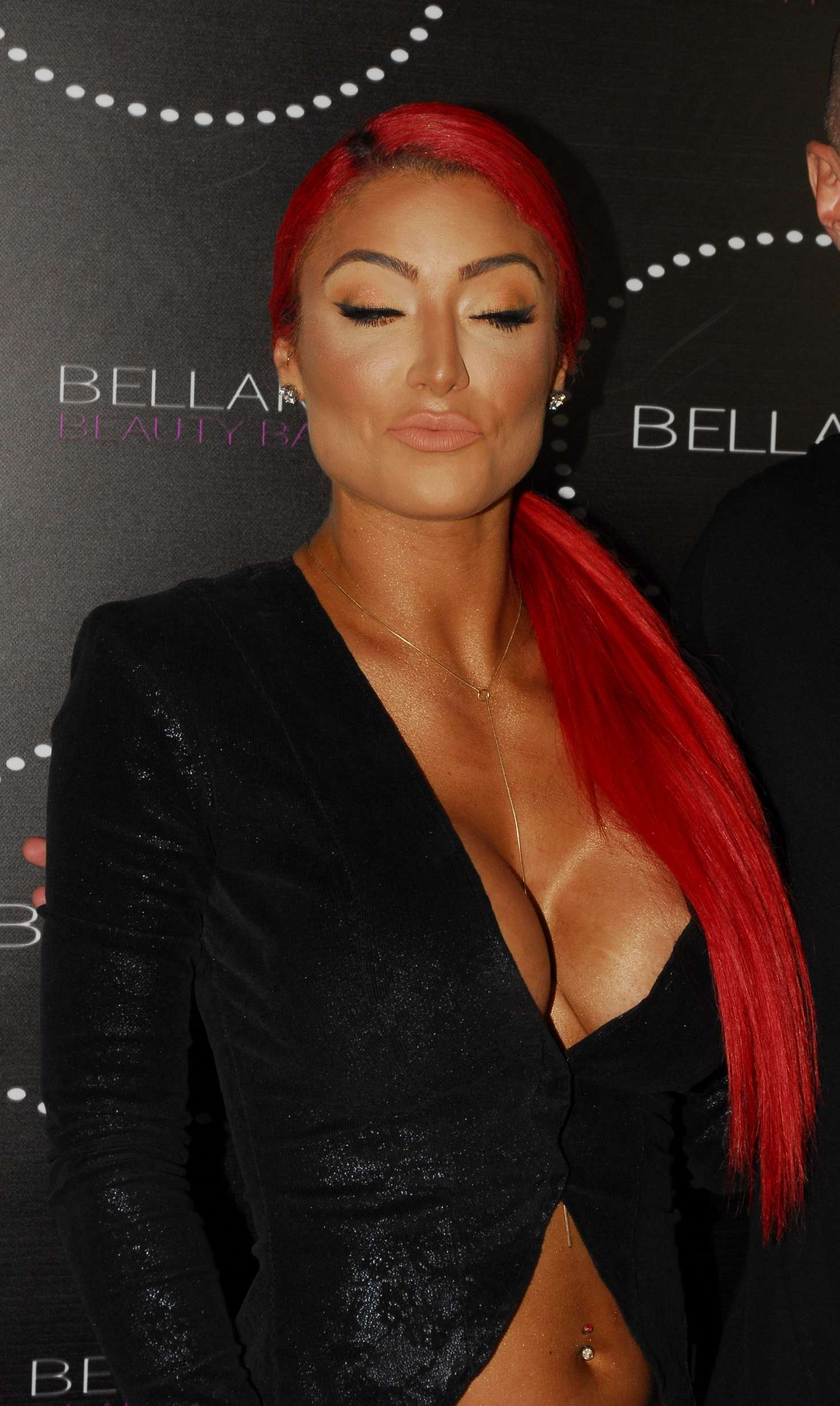 Eva Marie Bellami Beauty Bar In West Hollywood Gotceleb