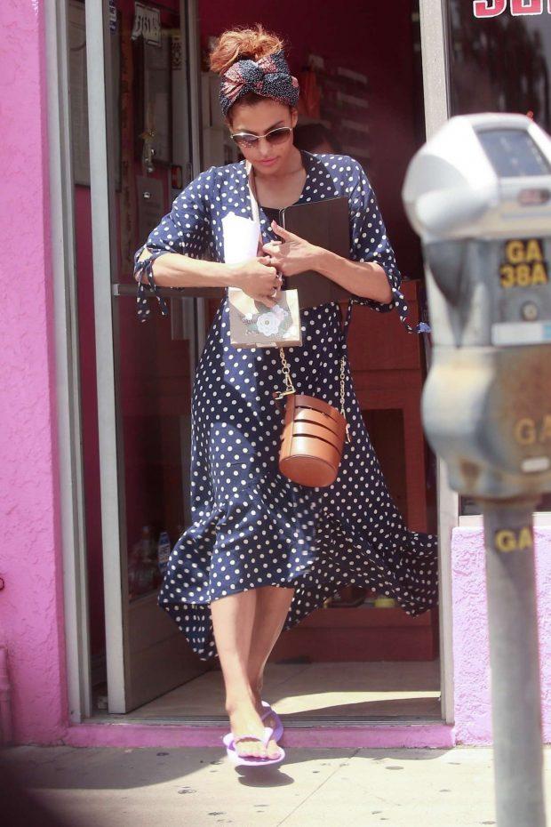 Eva Mendes in Long Polka Dot Dress -15