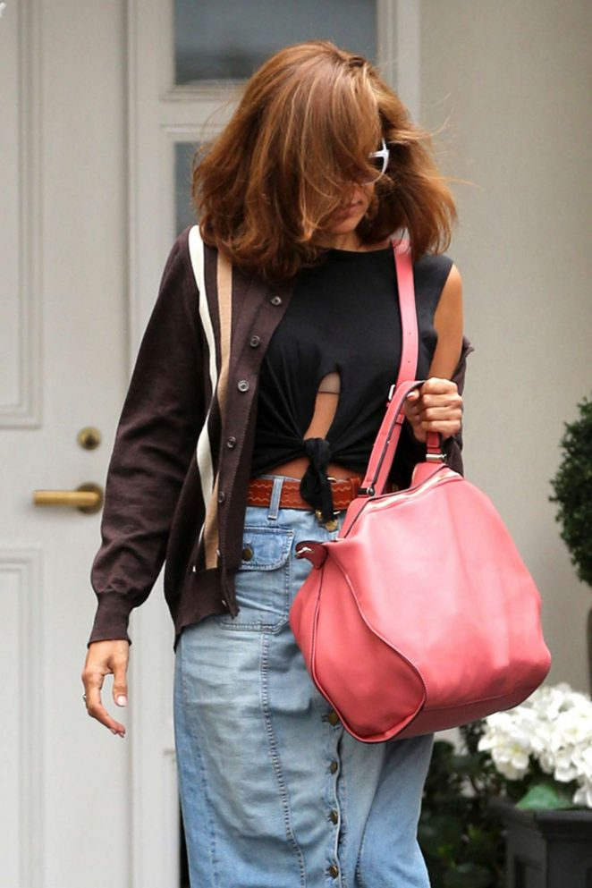 Eva Mendes Leaving Epione Cosmetic clinic in Beverly Hills