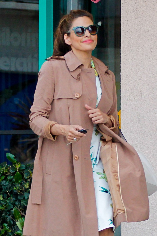 Eva Mendes - Out and about in Santa Monica