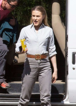 Evan Rachel Wood - Arriving to the 'Westworld' set in Los Angeles