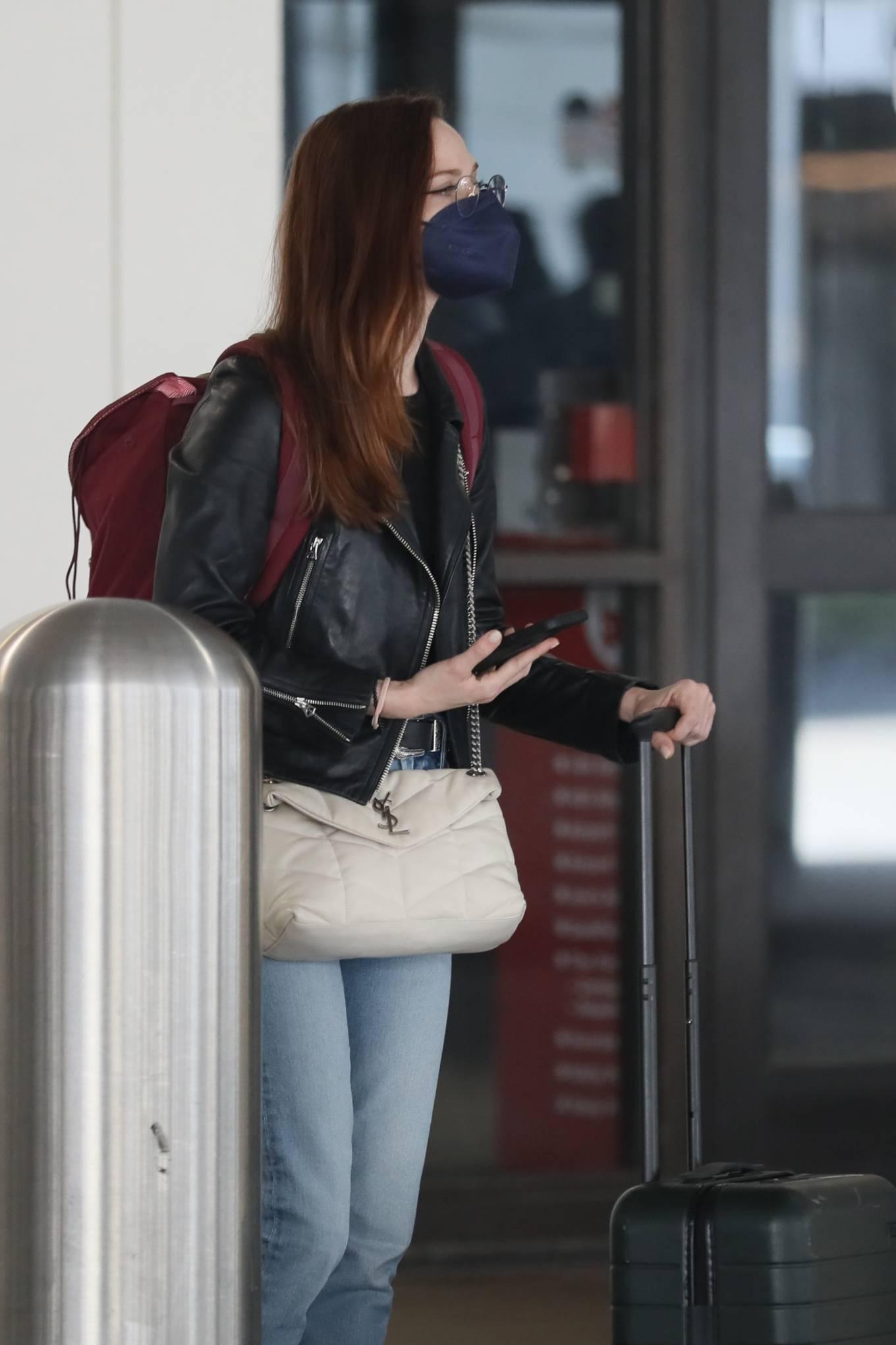 Evan Rachel Wood - Seen at airport in Los Angeles