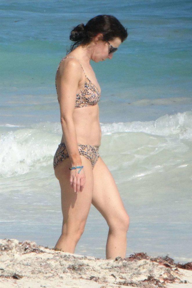 Eve Mavrakis 2017 : Eve Mavrakis in Bikini 2017 -08