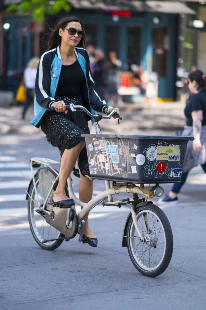 Famke Janssen - Riding her bike in New York City