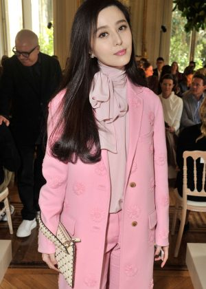 Fan Bingbing - Valentino Fashion Show SS17 in Paris