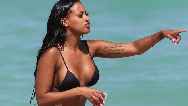 207b3e37cbad7 Fanny Robert Neguesha  Bikini 2016 in Miami-05 – GotCeleb