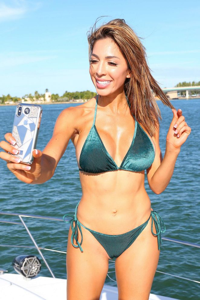 Farrah Abraham in Green Velvet Bikini on a yacht in Miami