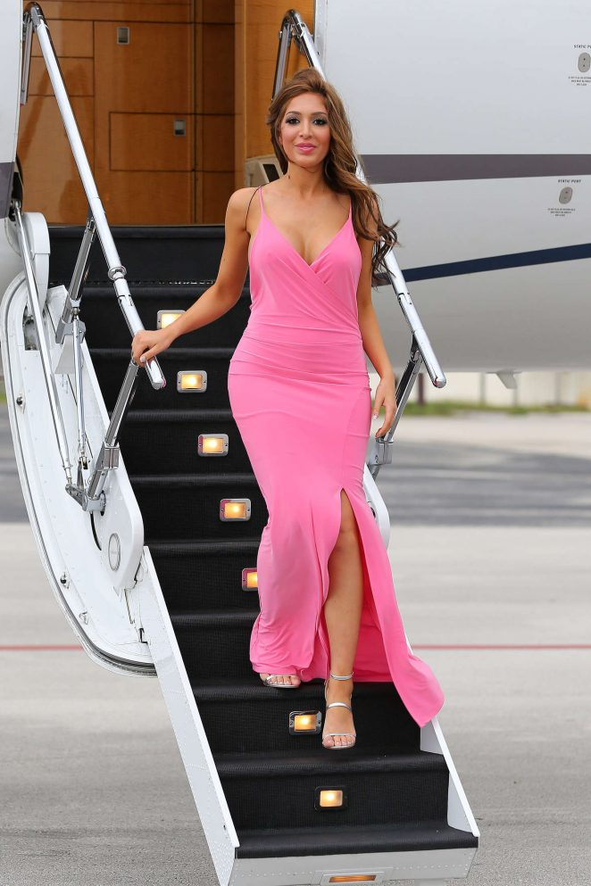 Farrah Abraham in Pink Dress Arrives in Miami