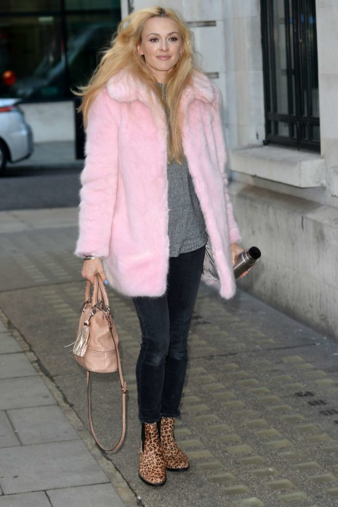 Fearne Cotton - Arriving at BBC Radio studios in London