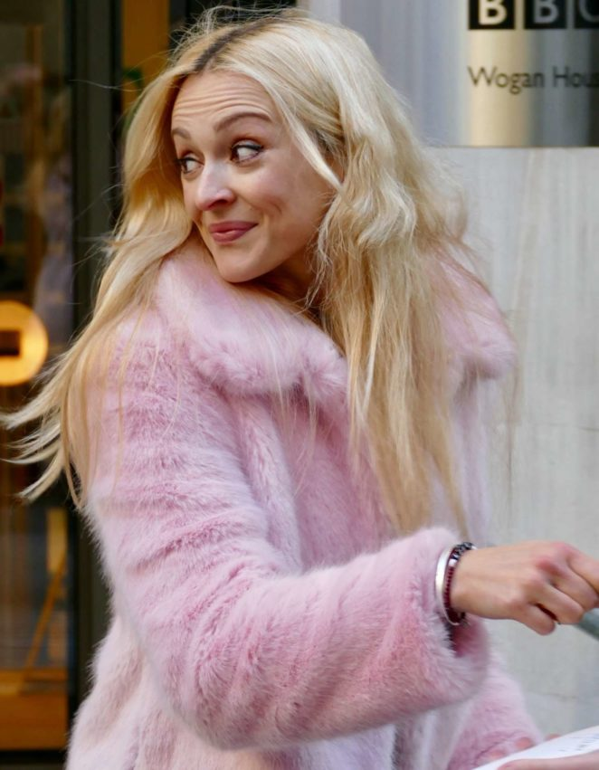 Fearne Cotton: Arriving at BBC Radio studios -09